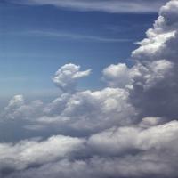 очень тяжелые дождевые облака