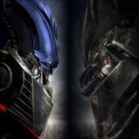 картинка из Transformers, превращение автомобилей в боевых роботов