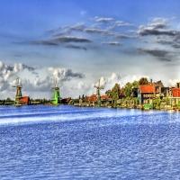 Голландская мельница на реке