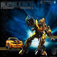 картинка из Трансформеров, превращение машин в боевых роботов