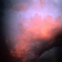 красное облако на закате