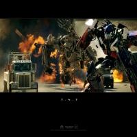 картинка из Transformers, превращение машин в боевых роботов
